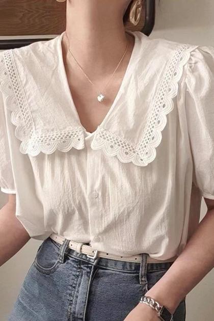 溫柔娃娃領排扣泡泡袖襯衫*白