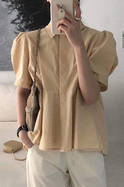 復古翻領後壓褶不規則泡泡袖襯衫*4色