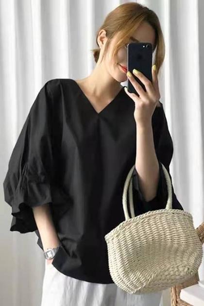 寬鬆純色V領蝙蝠袖短袖襯衫*2色