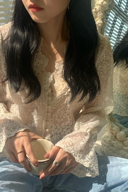 法式甜美V領蕾絲上衣*2色