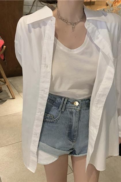 純潔簡約防曬白襯衫