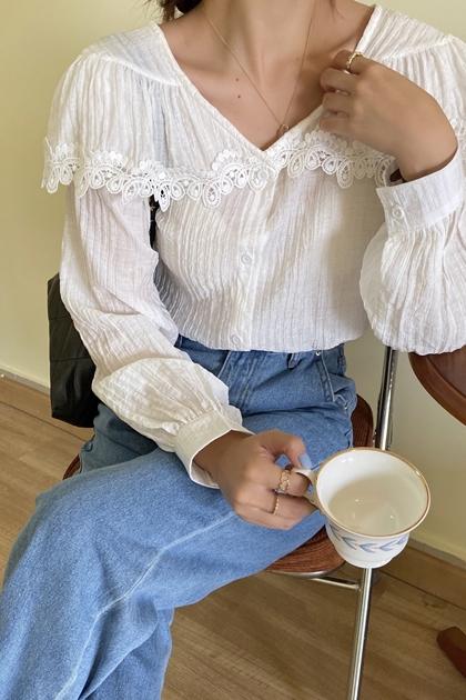 荷葉蕾絲V領襯衫*2色