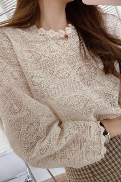 重工花朵刺繡蕾絲衫上衣*米杏