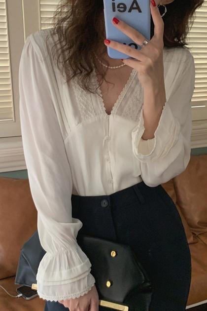 法式V領花邊蕾絲喇叭袖襯衫*2色