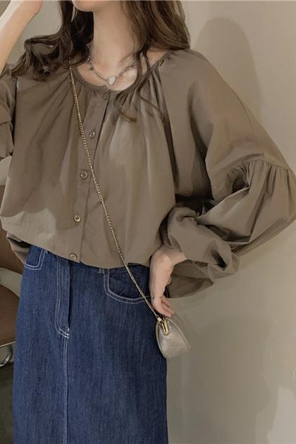 輕熟大圓領抓摺襯衫*2色