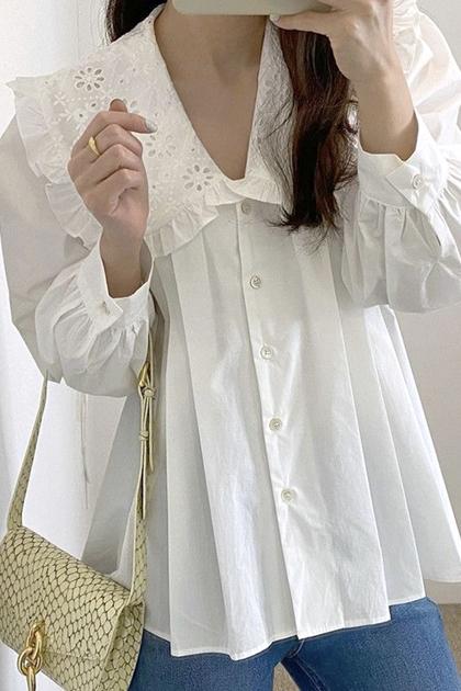 W蕾絲娃娃領壓褶泡泡袖襯衫*白