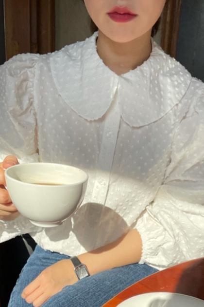 娃娃領立體點點泡泡袖襯衫*2色