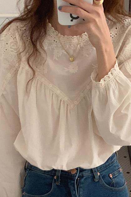 溫柔蕾絲鏤空鉤花拼接設計泡泡袖襯衫*米杏