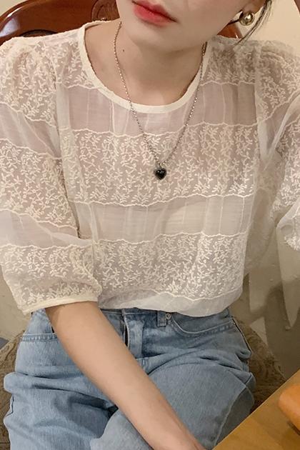溫柔蕾絲刺繡微透網紗上衣