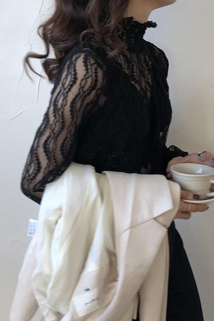 溫柔皺褶立領蕾絲上衣*2色