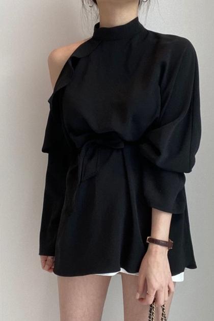 氣質小性感露肩荷葉邊系帶顯瘦長袖襯衫*2色
