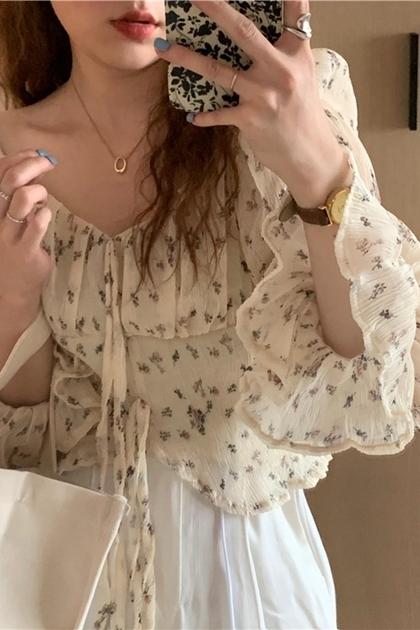 方領泡泡袖碎花雪紡綁帶襯衫