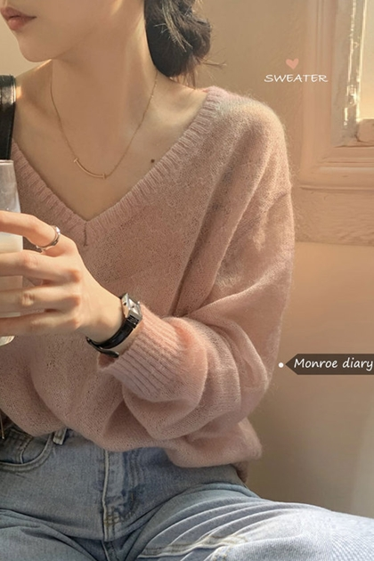 W氣質微透V領針織衫*3色