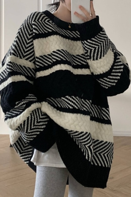 復古線條圖騰鉤織毛衣