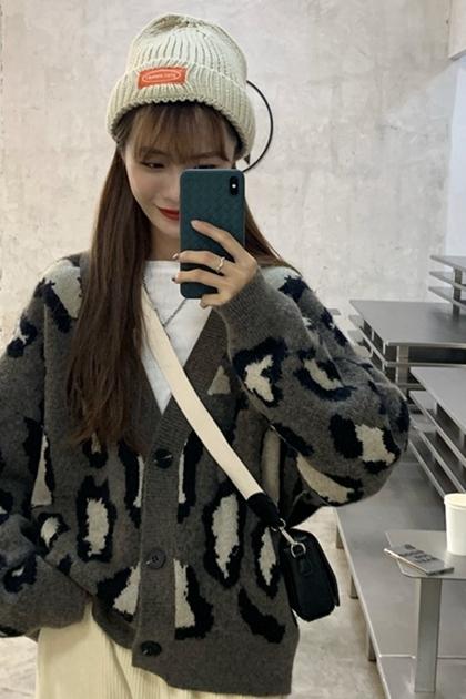 復古寬鬆V領豹紋針織開衫毛衣外套*2色