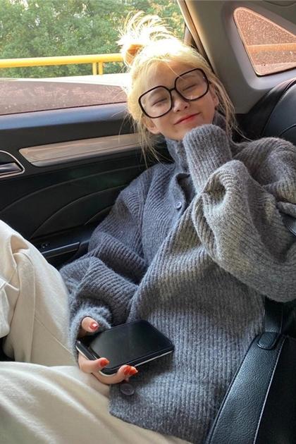 高領針織壓紋開釦毛衣外套