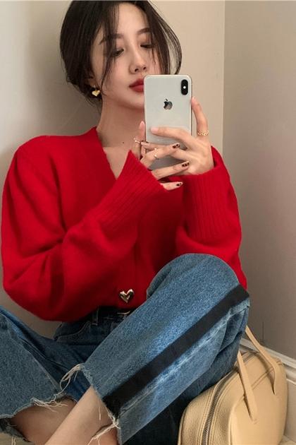 小甜心愛心金釦大紅針織外套