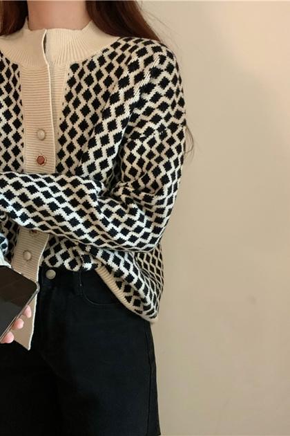復古菱格紋造型釦針織外套