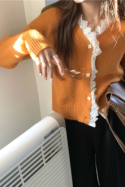 蕾絲滾邊V領開釦針織毛衣外套*2色