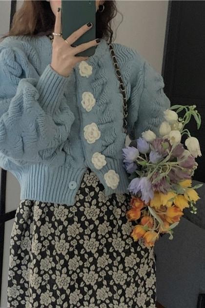 別緻花朵裝飾釦針織毛衣外套*藍