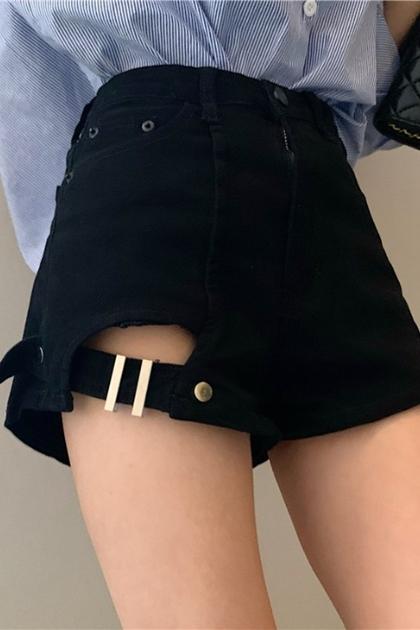 設計感破洞釦環牛仔短褲*2色SML