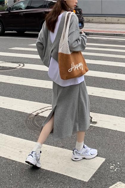悠閒假兩件式衛衣長袖大學T+開岔窄裙/套裝*2色