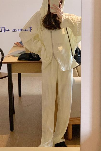 高級感壓褶連帽拉鍊外套+寬褲/套裝