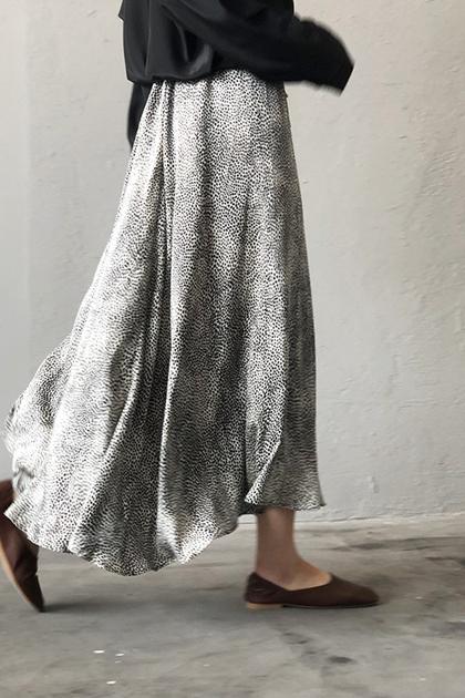 時髦豹紋大裙襬緞面高腰長裙*ML