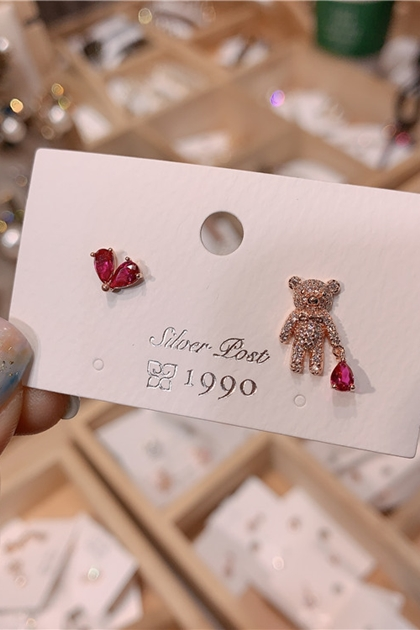 韓國寶石愛心水鑽小熊925銀針耳環*2色