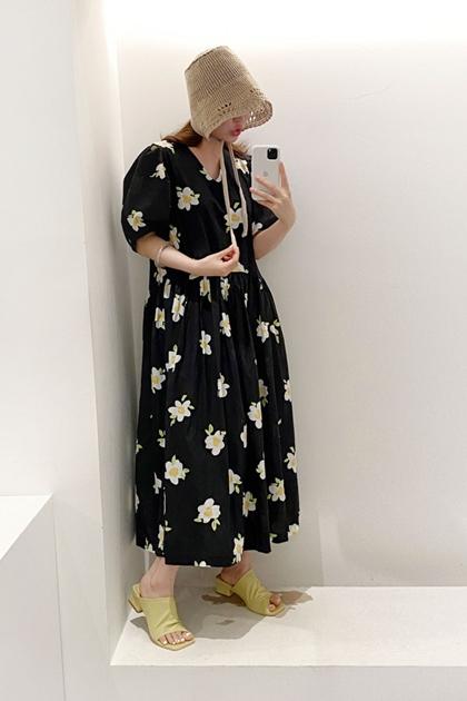 寬鬆V領花朵連身洋裝*2色