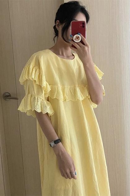 顯白檸檬黃蕾絲花邊拼接洋裝