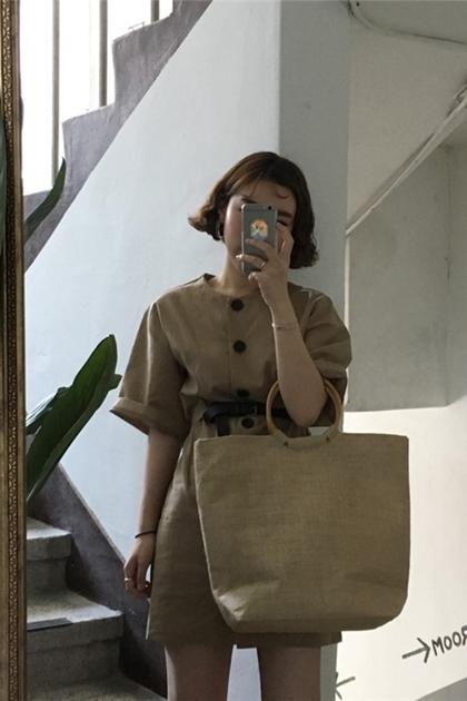 純色排釦洋裝