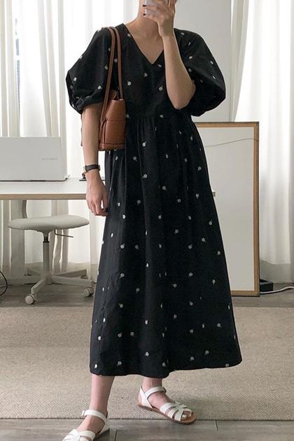 法式刺繡花朵V領高腰泡泡袖洋裝*2色