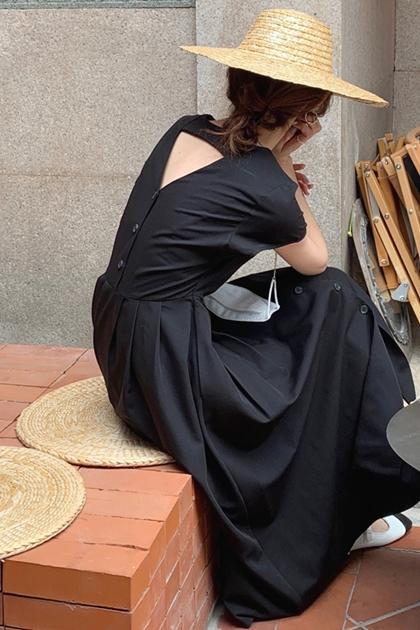 復古小心機美背鏤空氣質收腰V領洋裝*2色