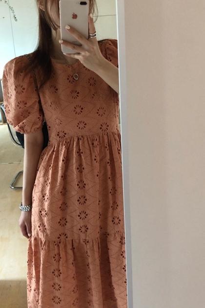 重工鏤空蕾絲刺繡花朵高腰洋裝*2色