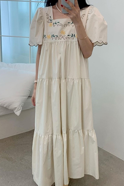 方領刺繡花朵泡泡袖荷葉滾邊洋裝*2色