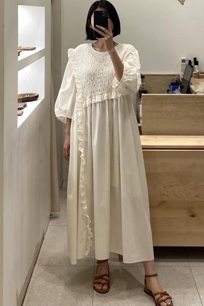 溫柔捏折點綴荷葉洋裝*2色