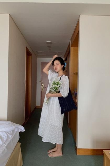 小清新雙面穿緹花蕾絲綁帶洋裝*2色