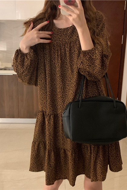 W顯瘦豹紋抓褶洋裝