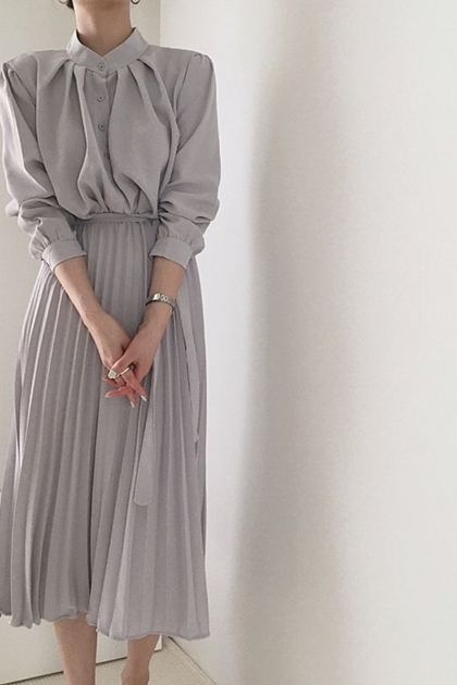 氣質立領排釦收腰綁帶百摺連身洋裝*3色SML