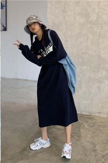 英文印圖連帽T洋裝*3色