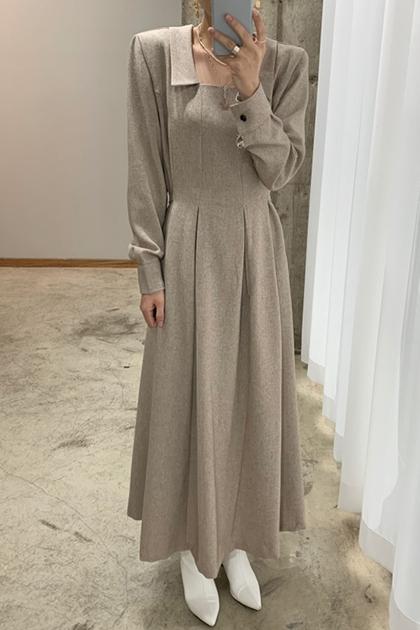 優雅方領修身壓褶設計中長款洋裝*2色