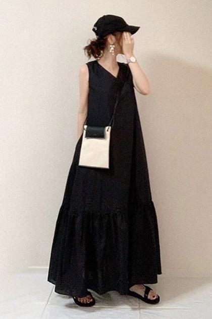 顯瘦黑V領加長洋裝