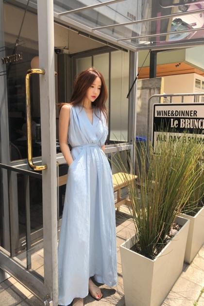 氣質藍V領交叉褶皺抽繩綁收腰顯瘦口袋背心洋裝