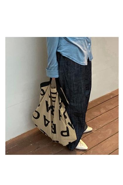 雅痞大字母造型尼龍防水手提袋*2色